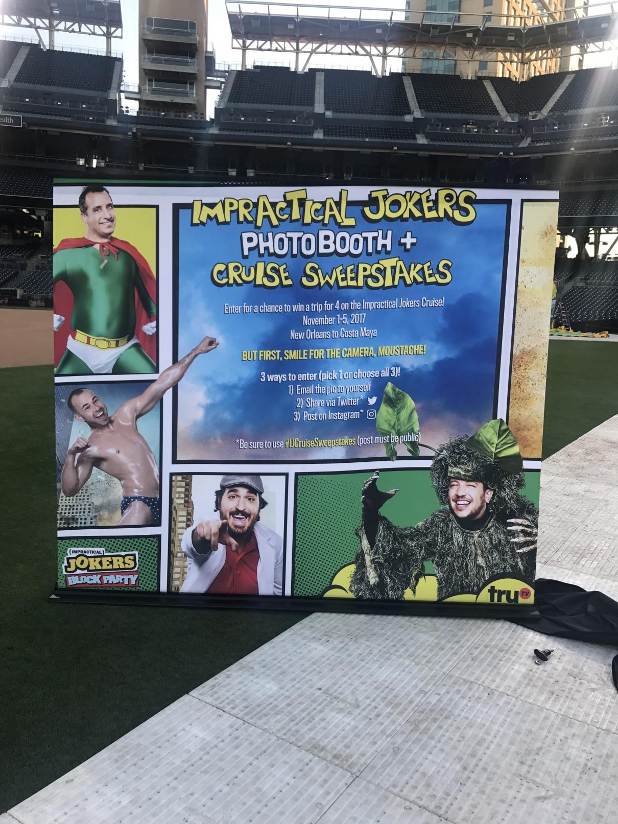 Comic Con Instructions Panel